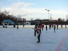 Lodowisko na terenie Burloch Arena w Rudzie Śląskiej-Orzegowie (fot. mat. prasowe)