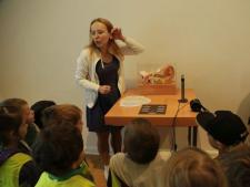 Podczas zajęć w Muzeum Górnośląskim dzieci dowiedzą się czym jest słuch i dźwięk (fot. . Witalis Szołtys – MGB)