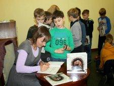 Magdalena Zarębska na jednym ze spotkań autorskich (fot. Magdalena Zarębska)