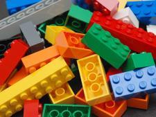 Dzieci uwielbiają bawić się klockami LEGO (fot. Bidgee/wikipedia)