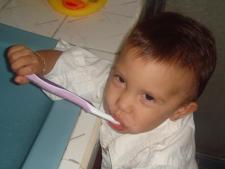Dzieci w polskich przedszkolach rzadko myją zęby, bo nie mogą (fot. sxc.hu)