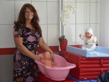 Szkoła rodzenia przy Wojewódzkim Szpitalu Specjalistycznym Megrez w Tychach zostanie otwarta 8 czerwca. Na zdjęciu Ilona Janda - jedna z położnych prowadzących (fot. mat. Megrez)