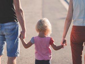 Za kilka tygodni w Dąbrowie Górniczej ruszy bezpłatny kurs dla rodzin zastępczych (fot. mat. pixabay)