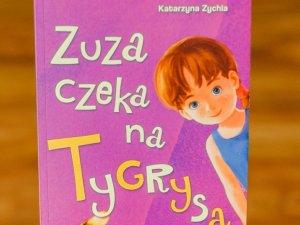 """Mamy dla Was pięć egzemplarzy książki """"Zuza czeka na Tygrysa"""" (fot. Ewelina Zielińska)"""