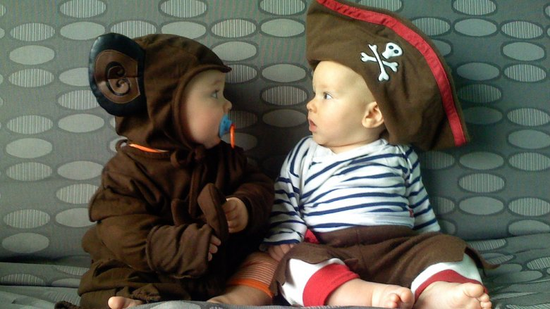 Dzieci przebrane za bajkowe postacie wezmą udział w pochodzie, który rozpocznie obchody Dnia Dziecka w Dąbrowie Górniczej (fot. foter.com)