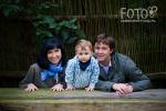 Mikołaj z rodzicami w plenerze (fot. Anna Dudek)