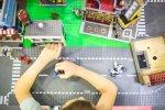 Sala zabaw Guliwer może poszczycić się miasteczkiem LEGO, zbudowanym z ponad 100 tys. klocków (fot. mat. bawialni)