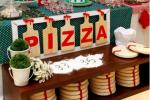 Mali goście często pieką własną pizzę wraz z szefem kuchni restauracji Hubertus (fot. materiały restauracji)