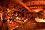 W Karczmie Beskidzkiej panują: góralski klimat i unoszące się zapachy swojskiej kuchni (fot. materiały restauracji)