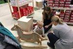 Dzieci nie nudziły się na targach, nie tylko na stoiskach warsztatowych dostępne były ciekawe zabawki (fot. mat. SilesiaDzieci.pl)
