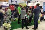 Dużym zainteresowaniem cieszyło się stoisko, na którym można było kupić silikonowe sznurówki i podnóżki do fotelików samochodowych (fot. mat. SilesiaDzieci.pl)