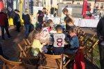 Dzieci konstruowały roboty i pojazdy oraz wprawiały je w ruch przy pomocy tabletu (fot. mat. SilesiaDzieci.pl)
