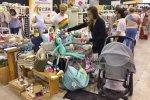 """Wszystkie produkty znajdujące się na stoisku Warsztatów Terapii Zajęciowej """"Tęcza"""" zostały wykonane przez osoby niepełnosprawne (fot. SilesiaDzieci.pl)"""