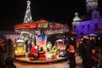 Na jarmarku dzieci znajdą karuzelę i świąteczny pociąg (fot. archiwum Fb Pszczyński Jarmark Świąteczny)