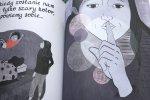 Okazuje się jednak, że ta prosta opowieść może zainteresować nie tylko dzieci, ale także czytające ją mamy (fot. Ewelina Zielińska/SilesiaDzieci.pl)