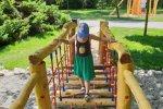 """Plac zabaw """"Kościuszek"""" mieści się w Parku Kościuszki w pobliżu kościoła pw. św. Michała (fot. Katarzyna Esnekier/SilesiaDzieci.pl)"""