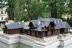Park Miniatur to 23 miniatury budowli umiejscowione w Parku Zamkowym (fot. muzeum-zywiec.pl)