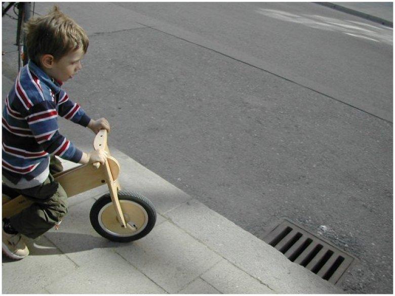 Rowerek-biegacz to dobry początek (fot. sxc.hu)