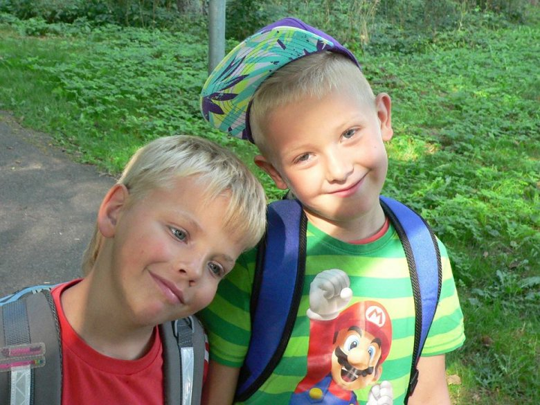 Dzieci w drodze do i ze szkoły narażone są na szereg niebezpieczeństw (fot. materiały Kogis.pl)
