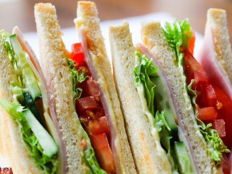 Bardzo ważny jest odpowiedni pojemnik na drugie śniadanie i przekąski (fot. pixabay)