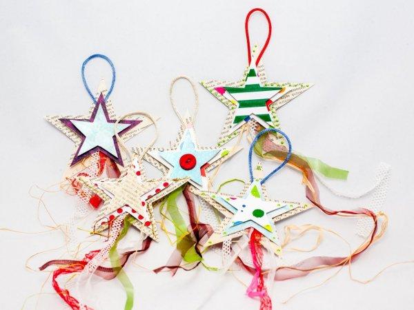 Gdy podsuniemy dzieciom ciekawy pomysł chętnie włączą się w tworzenie świątecznych prezentów (fot. Ewelina Zielińska)