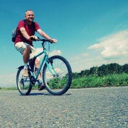 Nauka jazdy na rowerze może sprawiać problemy (fot. sxc.hu)