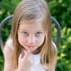 Co zrobić, gdy dziecko zachowuje się nieadekwatnie do swojego wieku radzi psycholog Sylwia Błach (fot. foter.com)