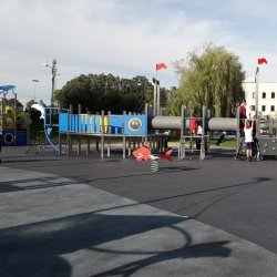 Plac zabaw znajduje się przy ul. Olimpijskiej w Piekarach Śląskich (fot. mat. Agnieszka Mróz/SilesiaDzieci.pl)