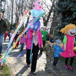 Najmłodsi mieszkańcy Śląska cieszyli się z nadejścia wiosny (fot. materiały Parku Śląskiego)
