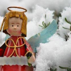 Na warsztatach w Piaskownicy Kulturalnej będzie można stworzyć gipsowe anioły, które ozdobią dom na święta (fot. pixabay)