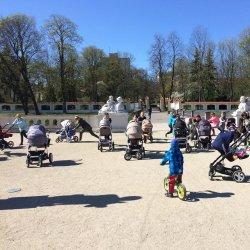 Zajęcia BuggyGym odbywają się na świeżym powietrzu (fot. mat. organizatora)