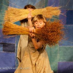 """""""Len"""" to sztuka, którą zaprezentuje Teatr Atofri  (fot. Teatr Miejski w Gliwicach/ wojtekwojcik.com)"""