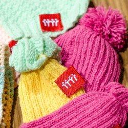 Wełniane czapeczki na Dzień Dziecka otrzymają chorzowskie noworodki (fot. mat. prasowe)