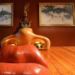 Surrealizm to pierwszy z malarskich nurtów, jakie poznają uczestnicy warsztatów w tyskim muzeum (fot. pixabay)