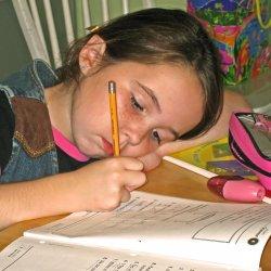 Czasem dziecku trudno zaakceptować, że nie jest we wszystkim najlepsze (fot.sxc.hu)
