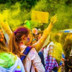 Festiwal kolorów odbędzie się 15 sierpnia na górnej stacji Kolei Linowych Czantoria w Ustroniu (fot. pixabay)