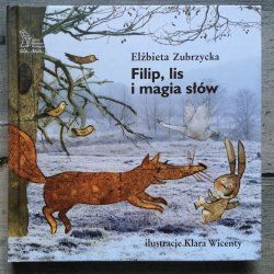 """Na tylnej okładce zamieszczono nagłówek """"pomagamy w wychowaniu"""" - opowiadania to pomoc dla rodzica, która naprowadza na rozmowy o ważnych tematach, oswaja wiele emocji (fot. Ewelina Zielińska/SilesiaDzieci.pl)"""