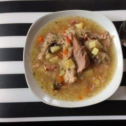 Kapuśniak to świetny sposób na wzbogacenie diety dzieci o kiszonki (fot. mat. Silesia Dzieci)
