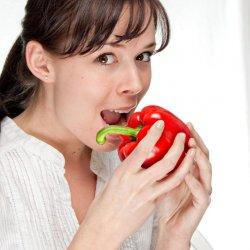 Będąc matką karmiącą nie trzeba rezygnować z wszystkich, dotychczas spożywanych, potraw (fot. sxc.hu)