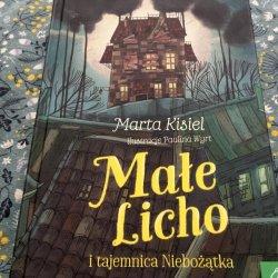 Świat stworzony przez Martę Kisiel, i bogactwo niezwykłych postaci, wciągają w lekturę od pierwszych stron (fot. Ewelina Zielińska/SilesiaDzieci.pl)