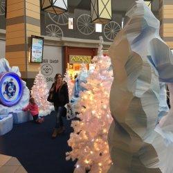 Lodową krainę 5 i 6 grudnia odwiedzi Mikołaj, a z jej atrakcji można korzystać do 5 stycznia (fot. mat. organizatora)