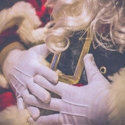 """Spektakl pt. """"Sekrety Św. Mikołaja"""" zostanie wystawiony na deskach Teatru Gry i Ludzie 3 grudnia (fot. pixabay)"""