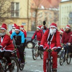 Parada Rowerowych Mikołajów wyruszy w niedzielę o godz. 15 z os. Karolina na Plac Baczyńskiego (fot. Michał Janusiński)