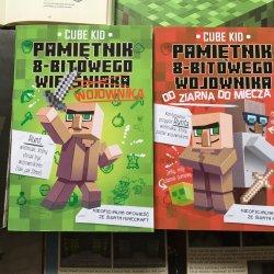 8-bitowy wojownik najpierw był wieśniakiem. Jak to się stało i bohaterem jakich przygód został - dowiecie się sięgając po dwa tomy książki Cube'a Kid'a (fot. Ewelina Zielińska/SilesiaDzieci.pl)