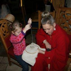 W Warowni Pszczyńskich Rycerzy dzieci mogą poznać średniowieczne zwyczaje i rozrywki (fot. mat. organizatora)
