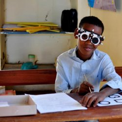 Dla wielu pacjentów okulary są nieosiągalne (fot. mat. FB Okulary dla Afryki)