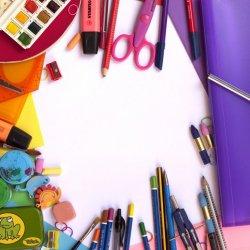 Rodzice sosnowieckich pierwszaków mogą liczyć nawet na 500 zł wsparcia przy zakupie wyprawki (fot. pixabay)