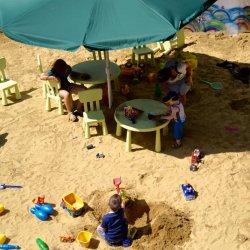 Na chorzowskiej plaży czekać będzie na dzieci wiele atrakcji (fot. mat. prasowe)