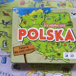 """""""Polska"""" to solidna propozycja łącząca w sobie elementy wyścigu do mety, wyszukiwanki i quizu (fot. Ewelina Zielińska/SilesiaDzieci.pl)"""