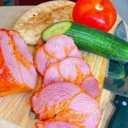 Podczas Targów Produtków Regionalnych będzie można kupić m.in. swojskie wędliny i ekologiczne warzywa (fot. foter.com)